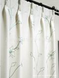 厂家直销日本SINCOL进口卧室设计半遮光单线绣花 定宽 13149 窗帘